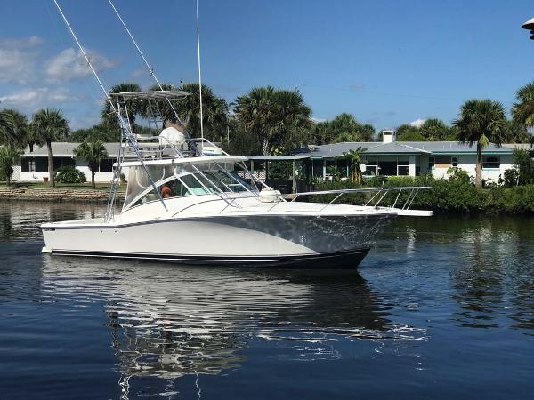 Luhrs 36 Open Profile