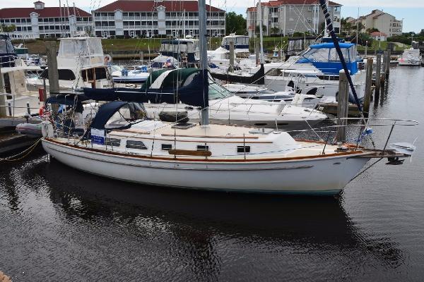 Gulfstar 37 Sloop Profile