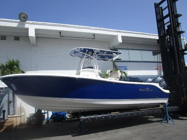 NAUTIC STAR 2500
