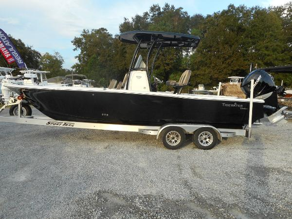 Tidewater 2500 Carolina Custom Bay