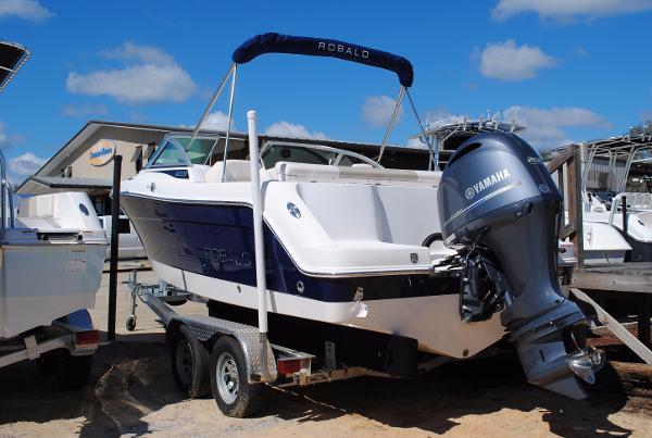 Robalo 227 Dual Console 2017-Robalo-227-DUAL-Console-Fishing-SKI-boat