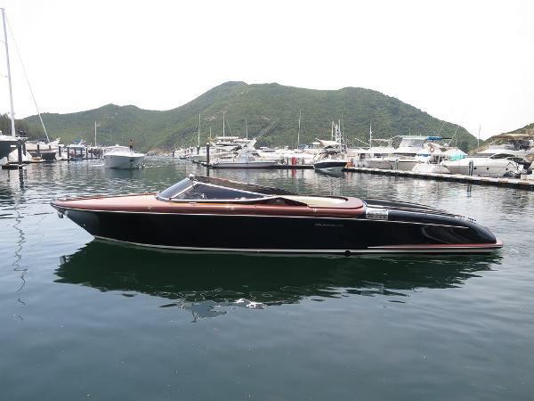 Riva 33 Aquariva Super Profile