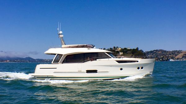 Greenline Hybrid 48 Sharp entry