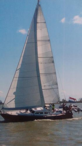 Carena 47 lifting keel