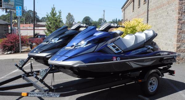 Yamaha WaveRunner  Twin FX Cruiser SVHO