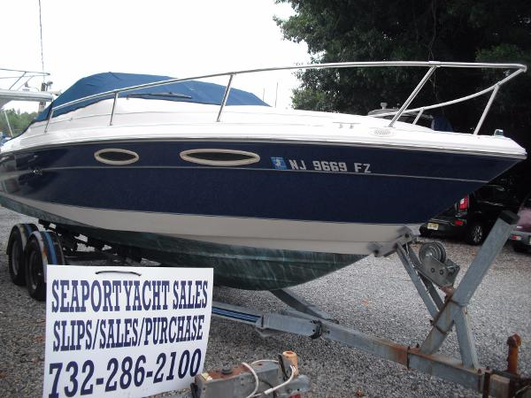 Sea Ray 240 Signature