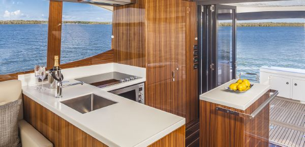 Maritimo M58 Galley
