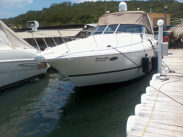 Cruisers Yachts 370 Express Port Bow