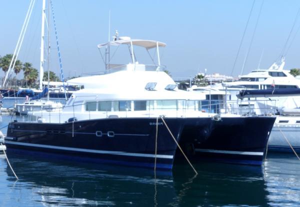Lagoon Power 43 Lagoon Power 43 catamaran