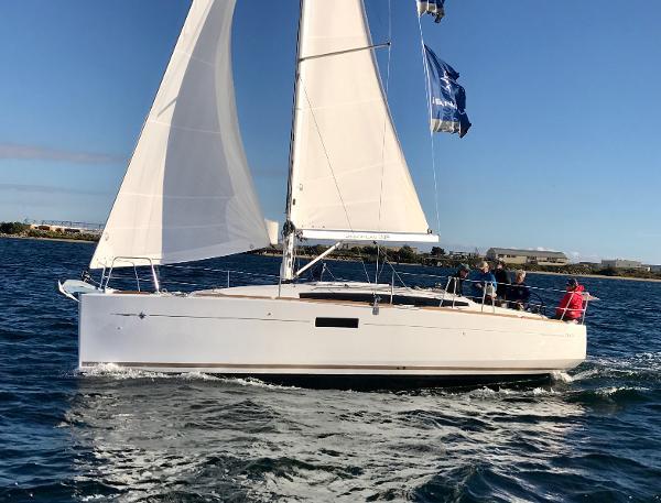 Jeanneau Sun Odyssey 349 The Jeanneau 349 Sun Odyssey Sailing