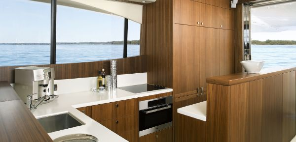 Maritimo M73 Galley