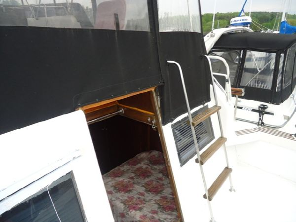Access to Aft Cabin from the Aft Deck