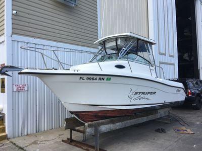Seaswirl Striper 2101 Walkaround
