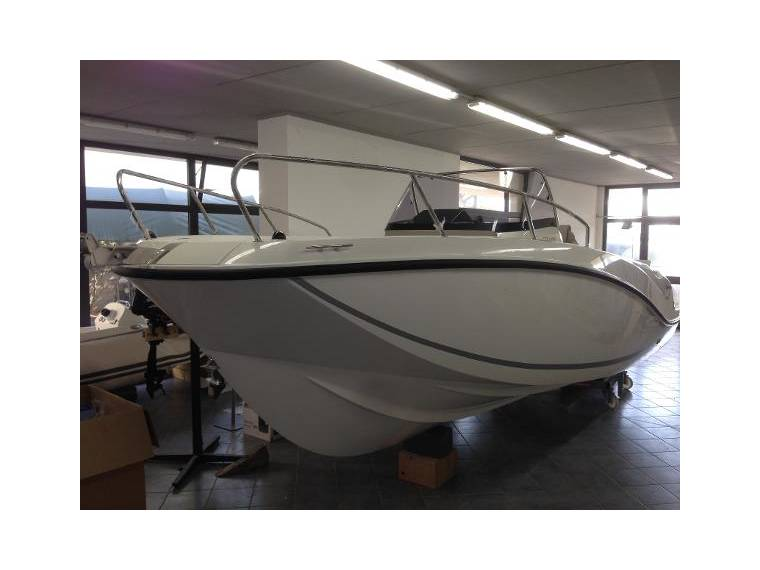 Quicksilver Quicksilver 675  Open