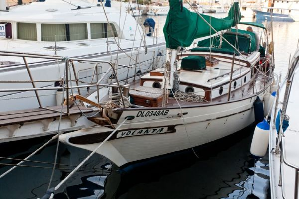 S/Y Yolanta CT 41' Port Side