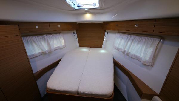 Albatross 42 Cabin