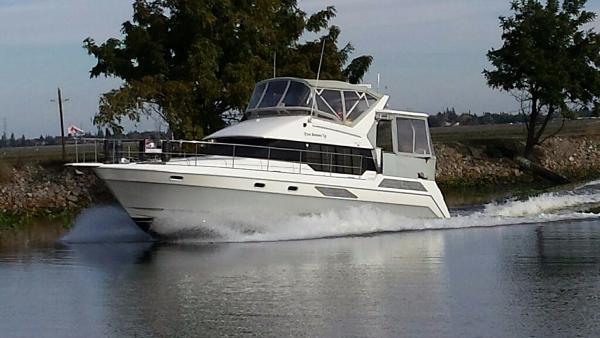 Bayliner 4387