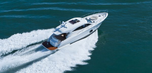 Maritimo C53 Sports Cabriolet Running Bow