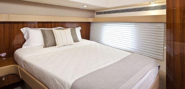 Maritimo C53 Sports Cabriolet Master Cabin