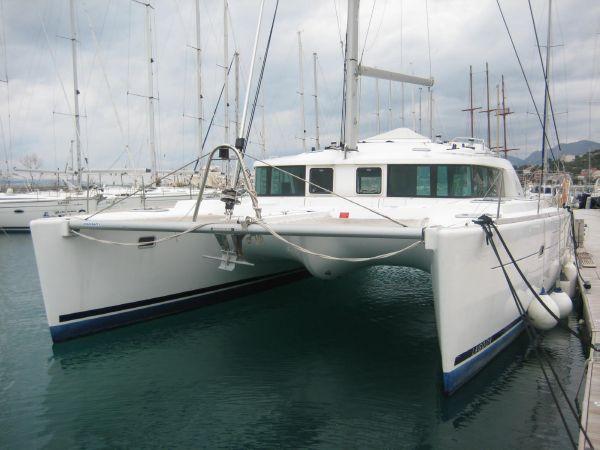 Lagoon 440 Bow