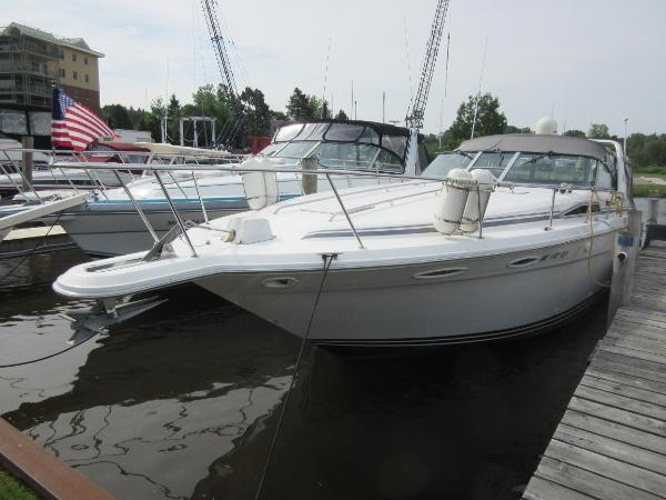 Sea Ray 370 Express Cruiser DOCKSIDE