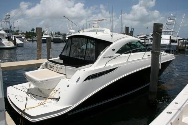 Sea Ray 410 Sundancer Vessel