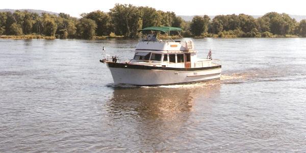 Marine Trader Classic Cruising