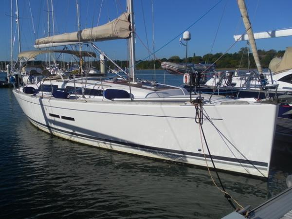 Dufour 375 Grand Large Dufour 375 Grand Large