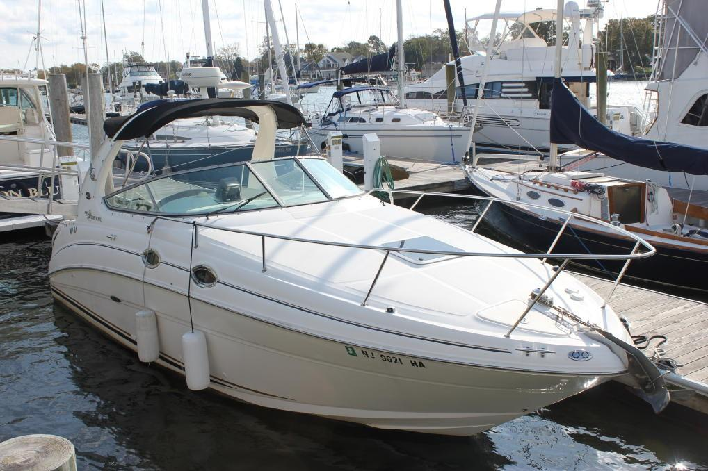 Sea Ray 280 Sundancer Stbd view