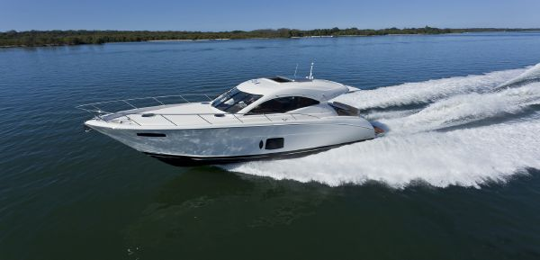 Maritimo Mustang 50 Side View