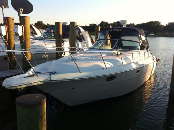 Monterey 322 Cruiser Monterey 322 Port Bow Profile