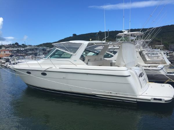 Tiara 3500 Express Port Side