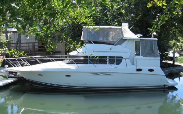 Silverton 422 Motor Yacht PORT PROFILE