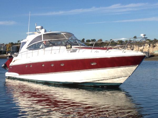 Cruisers Yachts 540 Express Tantissimo
