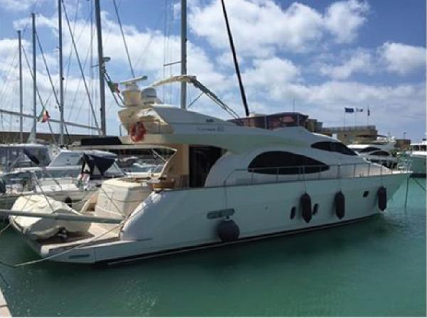 Cayman Yachts 62 FLY