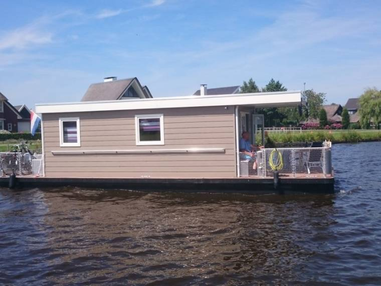 Houseboat 12M