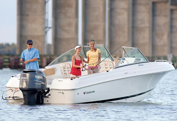 Wellcraft 220 Sportsman Manufacturer Provided Image