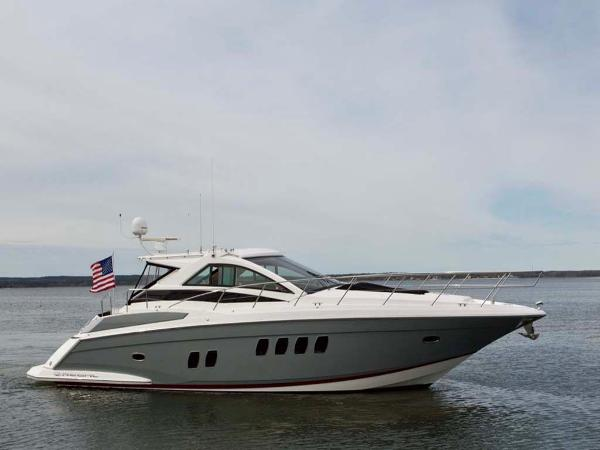 Regal 52 Sport Coupe Starboard