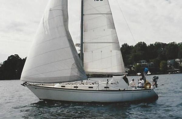 Tartan Tartan 37 Sl Tartan 37 sailing