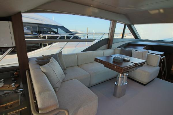 Princess 55  Helm Seating