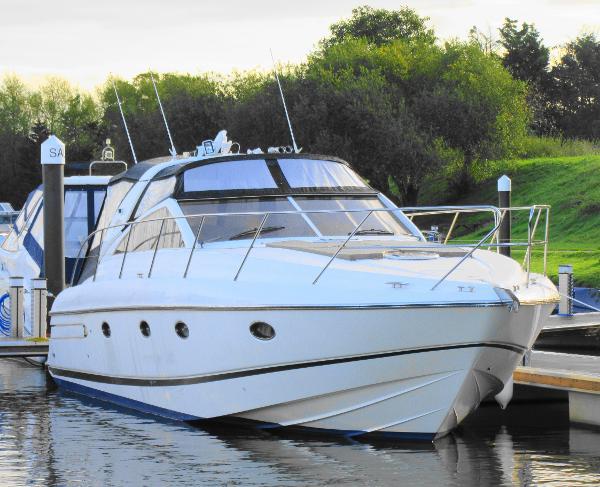 Princess V42 Princess V42 Tingdene Boat Sales Racecourse Marina