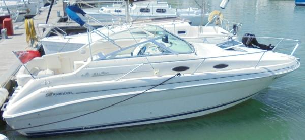 Sea Ray 240 Sundancer Sea Ray 240 Sundancer - Overall 1