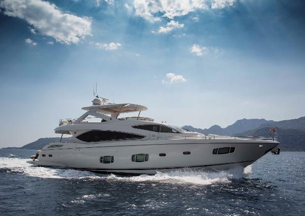 Sunseeker 88 Yacht UNIQUE NAZ