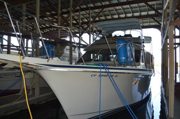 Tollycraft Sundeck Motor Yacht LAST CALL