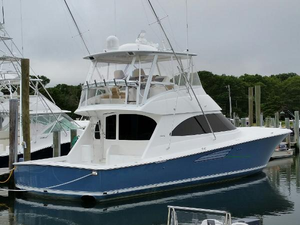Viking 52 Convertible Profile