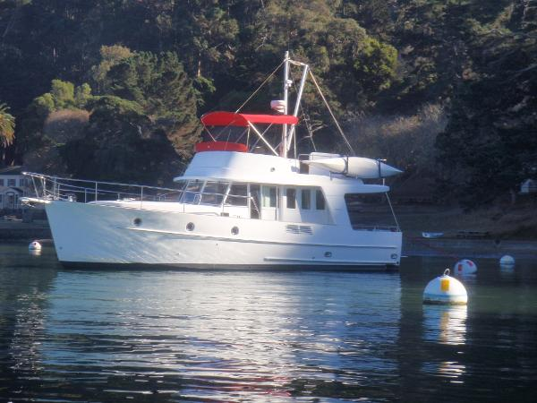 Beneteau 42 Swift Trawler Profile at anchor