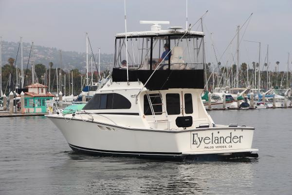 Luhrs 350 Tournament Port Quarter