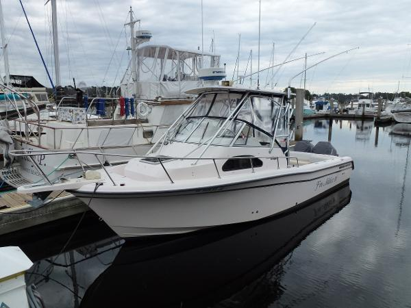Grady-White 282 Sailfish Port Bow View