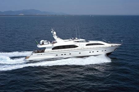 Falcon Motor Yacht Photo 1