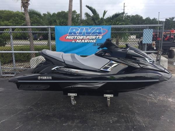 Yamaha WaveRunner FX® Cruiser HO